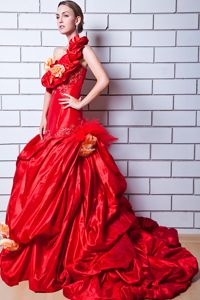 A-line One Shoulder Appliqued Prom Dress in Red with Brush Train