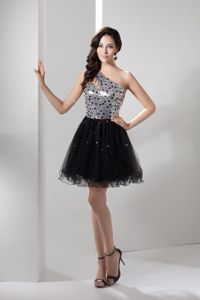 One Shoulder Organza Rhinestone Accent Prom Gown Dress in Omagh