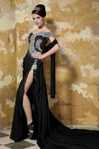Single Shoulder Beaded Court Train Prom Attire with Slit on the Side