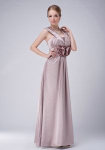 Luxurious Taffeta Ruche Prom Attire with Hand Made Flowers Waist