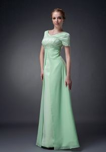 New Apple Green V-neck Floor-length Prom Attire with Short Sleeves