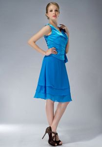 Cheap Taffeta and Chiffon V-neck Ruched Prom Outfits in Twyford