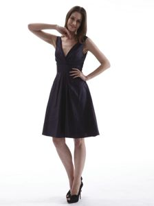Simple V-neck Taffeta Prom Dress Knee-length in Fakenham Norfolk
