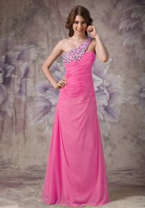Ruched Rose Pink Column Prom Outfits with One Shoulder in Columbus
