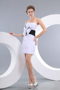 Hot Sale White Strapless Mini-length Semi-formal Prom Dress with Bowknot