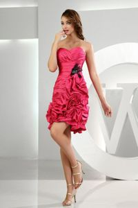 Well-Packaged Ruffled Red Short Prom Dresses for Homecoming Party
