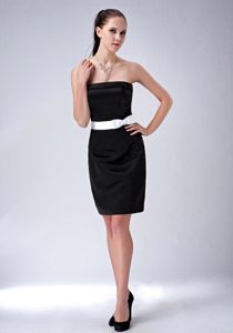 Zipper-up Strapless Mini-length Black Prom Outfits with Bowknot in Fashion