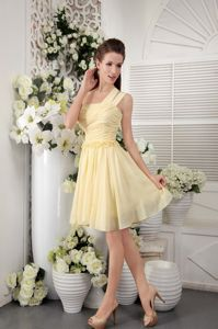 Light Yellow One Shoulder Short Chiffon Pleated Dress for Prom in Kenosha
