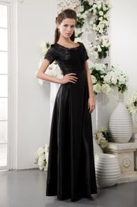 Scoop Floor-length Taffeta Formal Prom Dress in Black in Appleton