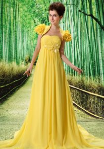 Flower Decorate Strapless Yellow Chiffon Prom Gowns Brush Train