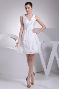 New Arrival White V-neck Ruched Prom Dress Mini-length in Chieveley