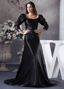 2014 Brush Train Black Square Prom Gowns with 3/4-length Sleeves