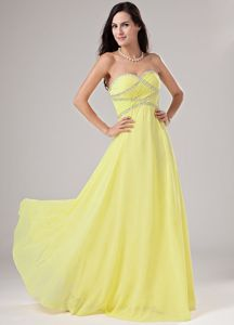 Dressy Light Yellow Sweetheart Floor-length Column Prom Dress in Eau Claire