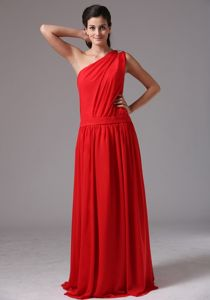 One Shoulder Floor-length Prom Dresses in Red with Ruches in Atmore