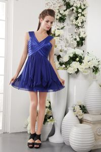 Navy Blue V-neck Pleated Short Senior Prom Dress with Ruche in Mayville USA