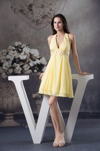 Light Yellow Halter Beaded Short Prom Outfits with Appliques in Alan Pennsylvania