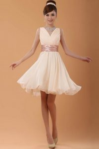High End A-line Prom Gown Peach V-neck Organza Sleeveless Mini Length Zipper