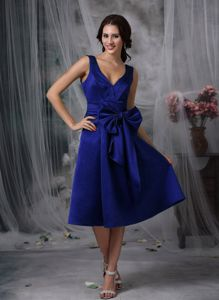 V-neck Tea-length Royal Blue Prom Outfits with Bowknot under 100