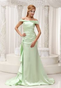 Off the Shoulder Yellow Green Taffeta Prom Attire with Brush Train