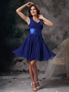 Peacock Blue V-neck Chiffon Ruched Prom Gown in Mini-length in Kerrville