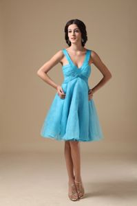 Aqua V-neck Knee-length Organza Prom Gown Dresses in Grafton NSW