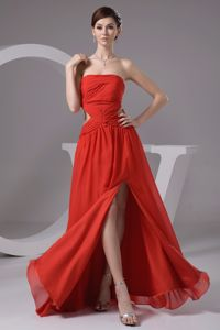 Rust Red Strapless High Slit Ruching Prom Outfits with the Back out