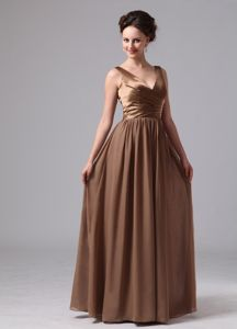 Mature Zipper-up V-neck Brown Maxi Prom Dress for Juniors for Wholesale