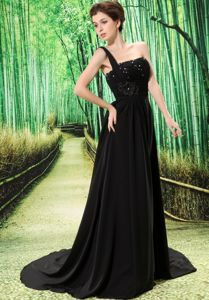 Black One Shoulder Brush Train Floral Embellishment Beaded Prom Dress