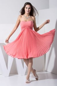 Pleat and Ruches Pink Knee-length Sweetheart Prom Dress with Beading