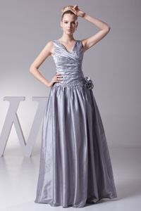 Hand Made Flowers and Appliques V-neck A-line Prom Dress in Grey