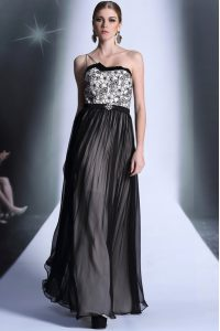 Luxurious Strapless Sleeveless Side Zipper Prom Gown Black Chiffon