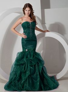 Green Mermaid Sweetheart Beaded Prom Dress with Court Train in Abilene