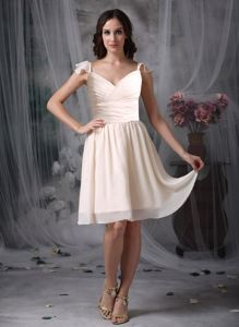 V-neck Knee-length White Empire Prom Dresses with Ruches in Bainbridge Island