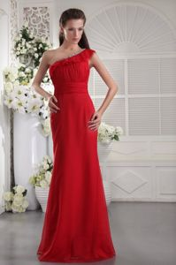 Simple Chiffon Red Long Senior Prom Dress with Beaded One Shoulder