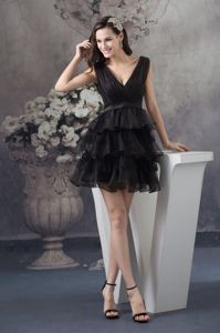Beautiful V-neck Black Mini Informal Prom Dress with Ruffled Layers in USA