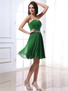 Pretty Chiffon Green Short Prom Outfits for Juniors with Beading under 150