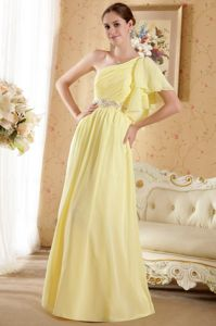 Yellow One Shoulder Chiffon Beaded Prom Outfits with Court Train