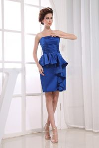 Inexpensive Blut Taffeta Strapless Ruche Prom Outfits with Peplum