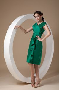 Graceful Green Taffeta Prom Gown Knee-length in Egremont Lake District
