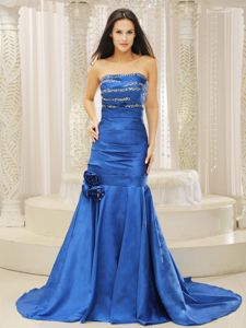 Brush Train Beaded Ruched Prom Gowns with Hand Made Flowers