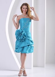 Strapless Beaded Teal Knee-length Prom Outfits with Pick-ups and Big Flower