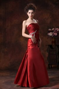 Lace-up Strapless Appliqued Ruched Wine Red Formal Prom Dress in Style