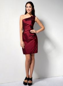 Latest Simple Mini-length Burgundy Prom Dress One Shoulder with Flower
