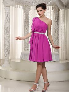 One Shoulder Ruched Fuchsia Short Prom Outfits About 100 on Discount