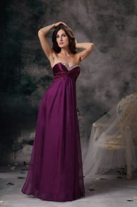 Zipper-up Chiffon Dark Purple Long Prom Dresses with Beaded Sweetheart