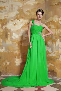 Cheap Spring Green One Shoulder Empire Prom Gown with Watteau Train