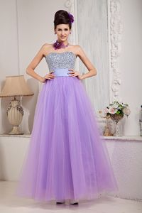 Exquisite Lilac Strapless Princess Floor-length Prom Outfits with Beading