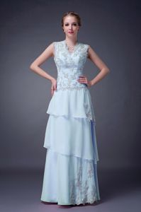 Appliqued V-neck Sleeveless Prom Outfits Chiffon in Kirknewton