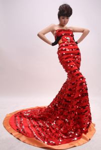 Shimmery Court Train Strapless Sequin Formal Prom Gowns in Red