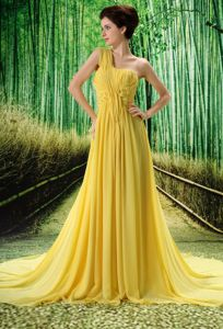 Chiffon Court Train One Shoulder Prom Gown in Yellow Online Shop